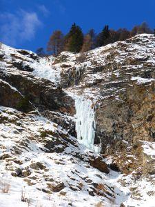 WE Cascades de glace à Cognes, en Italie.