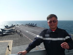 Nghia sur le porte-avions Charles de Gaulle en 2014.
