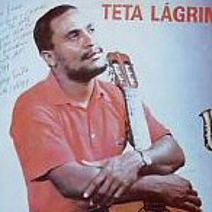 Teta Lágrimas vende mais de mil discos em sessão de autógrafos