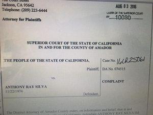 Une plainte vise le maire californien de Stockton pour avoir joué au strip-poker avec des adolescents mineurs