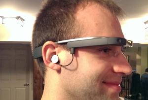 Leclerc accélère sur le drive et teste les Google Glass.