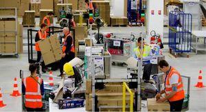 1 000 000 de colis expédiés le 8 décembre et un camions rempli toutes les 2'30''... les records logistiques de Noël.
