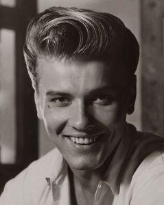Richard Davalos (1930-2016)