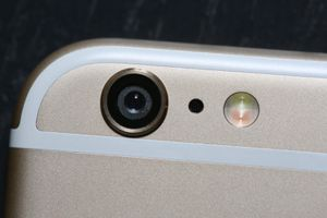 Apple's 'Try On iPhone 6 Project Broadens With New User Movies