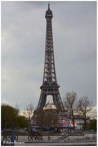 Bulbe peu orthodoxe sous notre Dame Eiffel