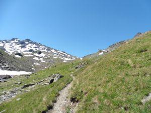 Le Mont Brequin domine le col.