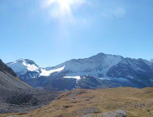 Du col de la Grassaz, vue sur les glaciers.