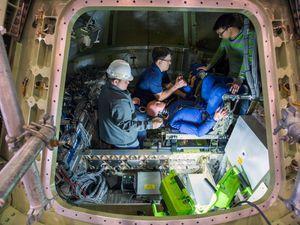 Tests d'évaluation de la sécurité de l'équipage par des mannequins