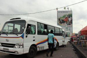 Bus « esprit de vie » accordé à crédit aux transporteurs de Kinshasa par le gouvernement central. Ph. JDH