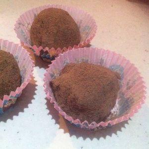 Truffes au chocolat noir équitable fève de Tonka .