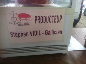 Éleveurs de porcs Gallician  dans le Gard .