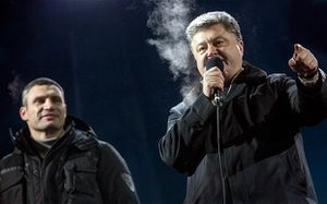 Reuters - Ukrainians back Poroshenko to find way out of crisis