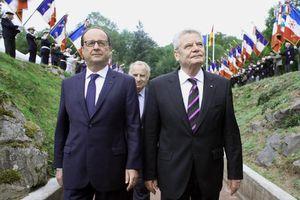 LeMonde - La France suspend la livraison du premier Mistral à la Russie