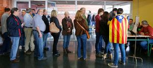 The Guardian - Catalans vote in symbolic referendum on independence in defiance of Madrid