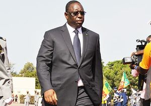 Yahoo News - Senegal leader offers to reduce term as 'example to Africa'