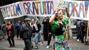 LaPresse.ca - Chili: Bachelet annonce la gratuité pour 60% des étudiants pauvres