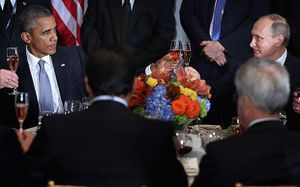 Reuters - Obama, Putin discuss Syria&#x3B; essential difference over Assad remains