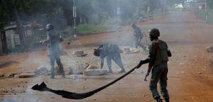 L'opération de démantèlement de barrières entraine des détonations d'armes dans le 3ème et 6ème arrondissement.