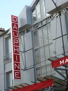 Bijoux au Marché Dauphine.