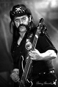 Incroyable mais vrai: des médecins ont déclaré Lemmy formellement immortel