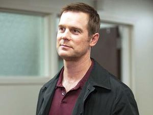 Peter Krause (&quot&#x3B;Parenthood&quot&#x3B;) remplace Damon Dayoub dans le premier rôle masculin de &quot&#x3B;The Catch&quot&#x3B; pour ABC face à Mireille Enos &#x3B; Sonya Walger (&quot&#x3B;Lost&quot&#x3B;) remplace Bethany Joy Lenz