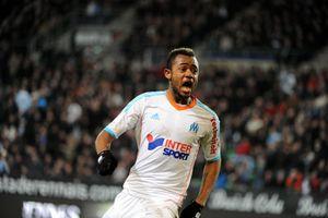 J. Ayew s'engage avec le FC Lorient