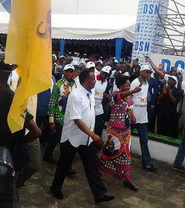 @Le couple Sassou N'Guesso entrant en campagne