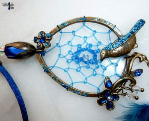 Mélodie Bleu Nuit - Collier Ethnique Chic au médaillon tissé d'un attrape-rêves