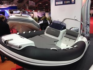 GRAND SEMI-RIGIDE AU SALON LE NAUTIC 2015