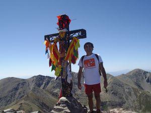 En haut du Canigou (JPB et la fameuse croix que je ne saurais plus voir !)
