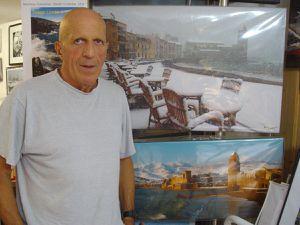 """Hervé Donnezan dans sa """"boîte à images"""", à Collioure (photo J.P.Bonnel)"""