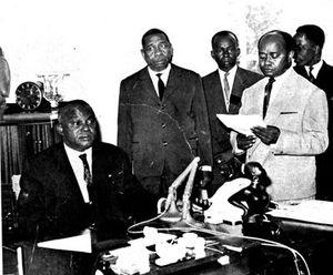 2015-01-16 Notes du passé Le président Philibert Tsiranana dans le Nord en 1971