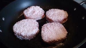 Steaks de thon blanc pané à la noix de coco