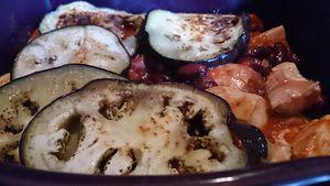 Poulet aux aubergines et haricots rouge