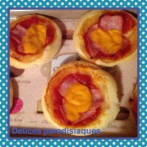 Pizzettes feuilletée au jambon et à la mimolette sauce napolitaine