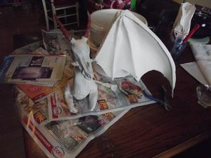 sculpture  dragon rouge