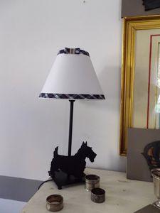 lampe métallique 35 cm petit culot à vis. 20 euros au lieu de 35.
