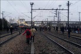 Grève des taxis contre Uberpop : une centaine de passagers sur les voies du RER B à Aulnay-sous-Bois !