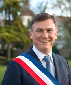 Le maire d'Aulnay-sous-Bois Bruno Beschizza s'exprime sur l'attentat déjoué dans le Thalys Amsterdam Paris