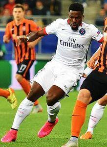 La star du PSG Serge Aurier prêt à aider le club de foot FC Villepinte