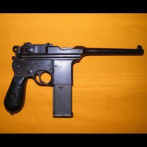 Trois russes avec un pistolet automatique arrêtés par la police à Aulnay-sous-Bois