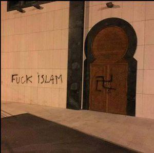Inscriptions anonymes fascistes sur la mosquée Hoche à Bagnolet