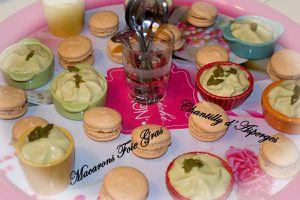 Chantilly d'Asperges et Macarons Foie Gras