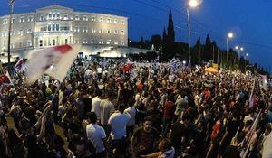 """KKE, 10 juillet: Non au nouveau mémorandum de """"gauche"""""""