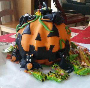 Un petit gouter Halloween en pate à sucre....
