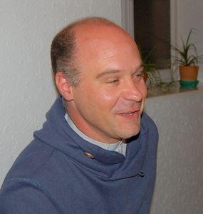 Le Père Cédric KLEIN s'adresse à ses paroissiens