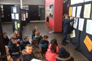 Visite de l'exposition «Les 10 ans de Linselles, ville Amie des enfants»