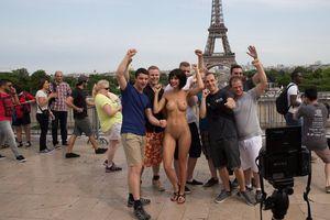 Milo Moiré arrêtée à Paris
