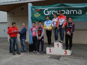 Le podium des juniors (Pierre 3ème et Dorian 5ème)