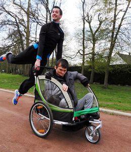 Triathlon, 2 frères inséparables malgré le handicap - via SpiOn